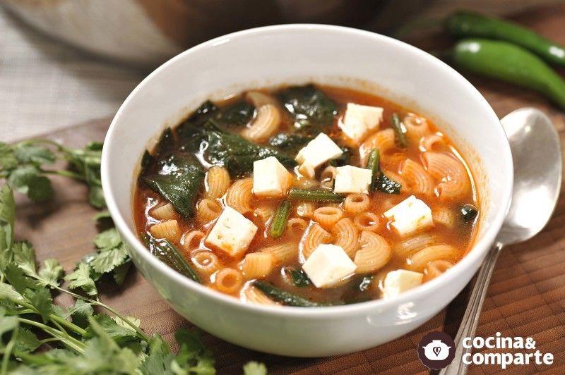 Sopa De Coditos Con Espinaca