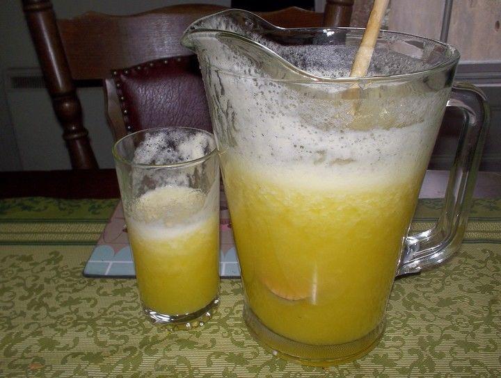 Agua de piña y melón