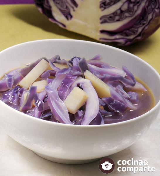 Sopa de col morada