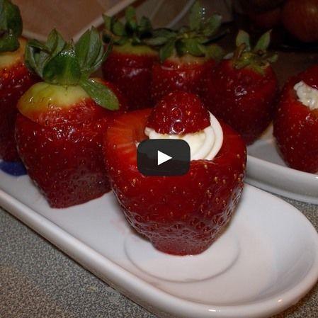 Fresas rellenas de queso crema y azúcar glass