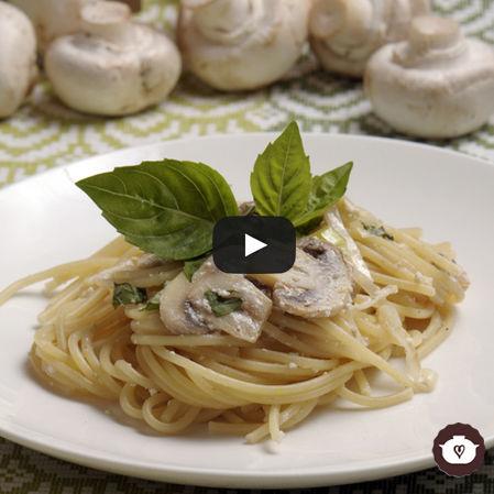 Espagueti con hongos al yogur