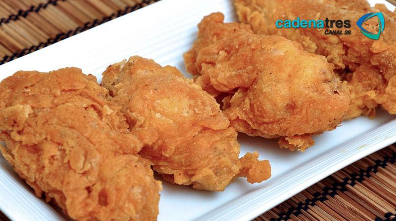Pollo empanizado con corn flakes
