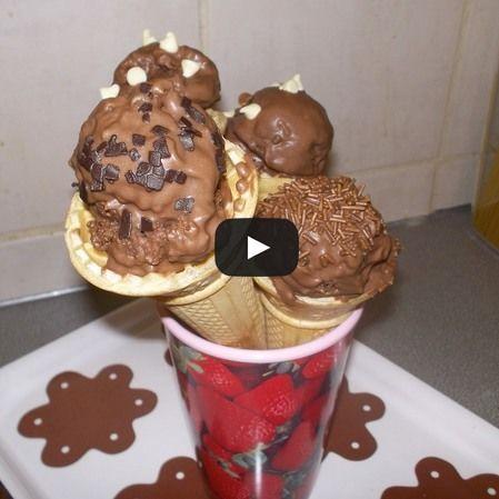 Conos de popcakes
