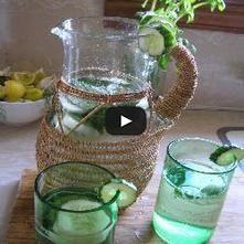 Agua de Ciruela y Hierbabuena