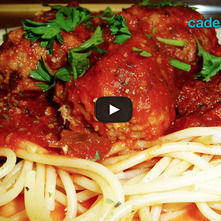 Spaghetti con albóndigas de pavo