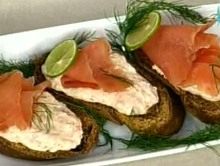 Untable de salmón con alcaravea y pan