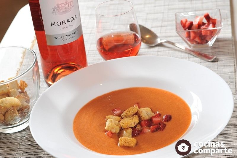 Gazpacho de fresas con sandía