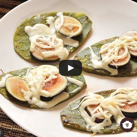 Huaraches de nopal con higo y queso Oaxaca