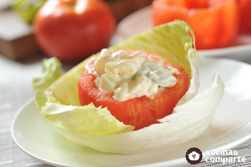 Jitomates rellenos de verduras