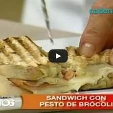 Sándwich con pesto de brócoli
