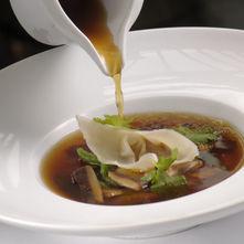 Sopa de hongos orientales