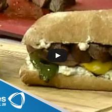 Sandwich de falda de res con mayonesa de maíz