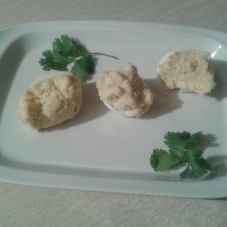 Huevos cocidos Dijon