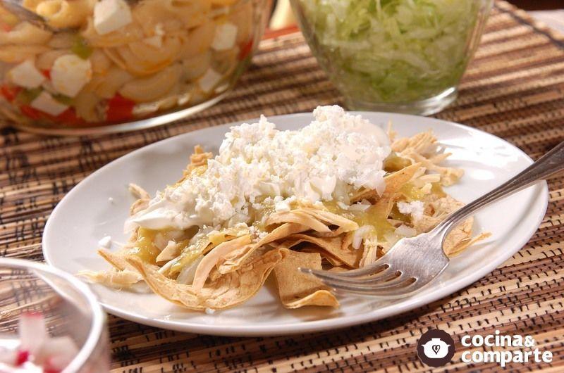 Chilaquiles verdes con pollo