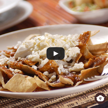 Chilaquiles en salsa de pasilla
