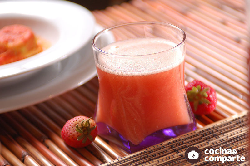 Agua de naranja con fresa