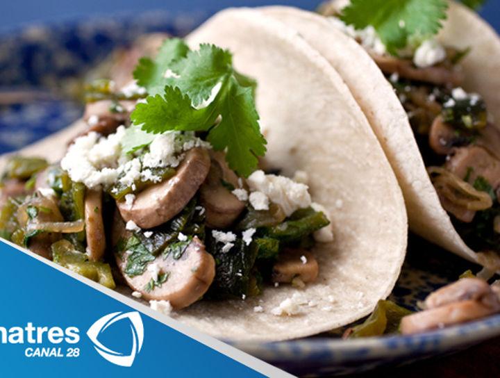 Tacos de poblano con champiñones
