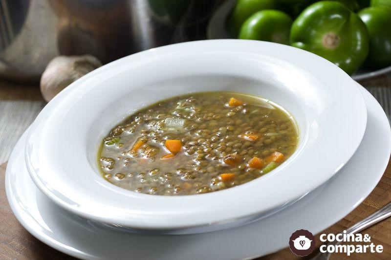 Sopa antigua de lentejas