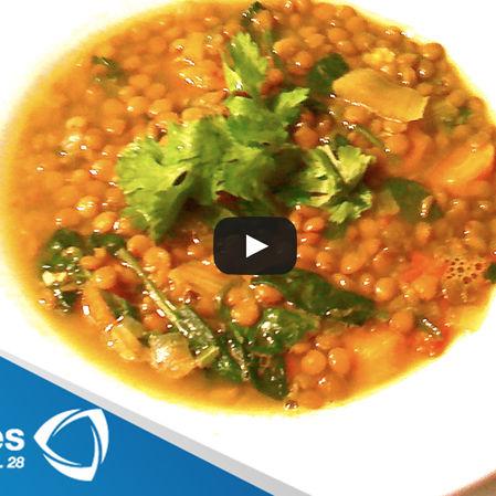 Sopa de lenteja y curry