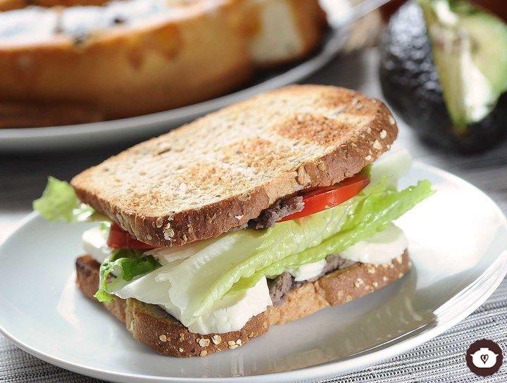 Sándwich de frijol y queso