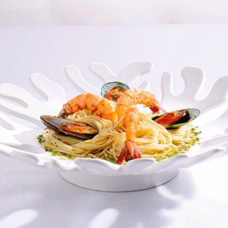 Spaghetti con fruitti di mare al vino blanco