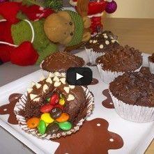 Muffin sorpresa (rellenos de M&M)