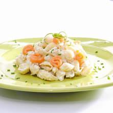 Caracol con mantequilla de requesón y toques de salmón