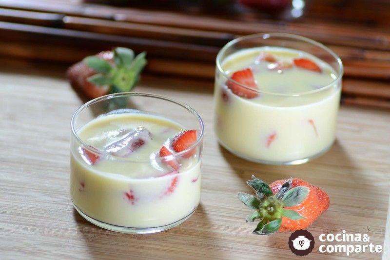 Copas de fresas con crema inglesa