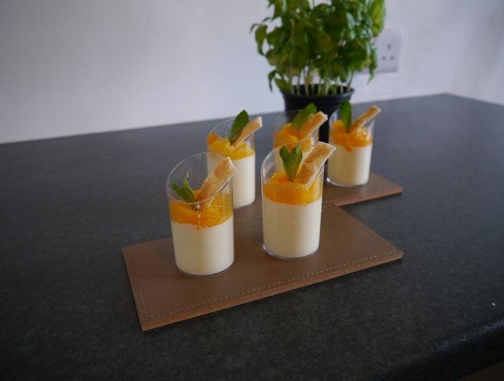 Panna cotta de naranja y mandarina.