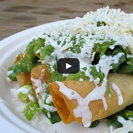 Tacos de papa con chipotle y guacamole
