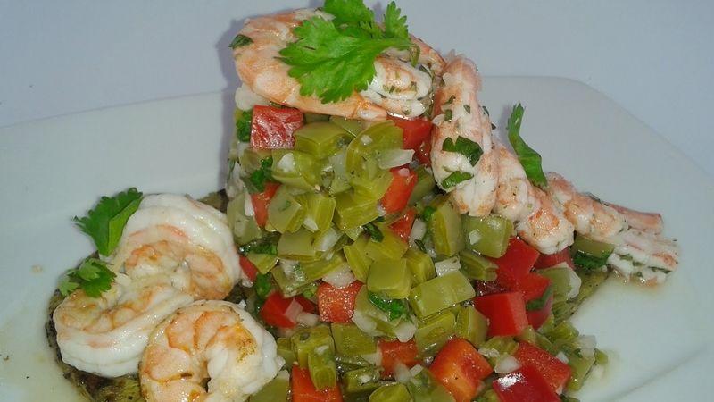 Ensalada de camarón y nopales
