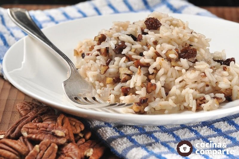 Arroz con nueces y pasas