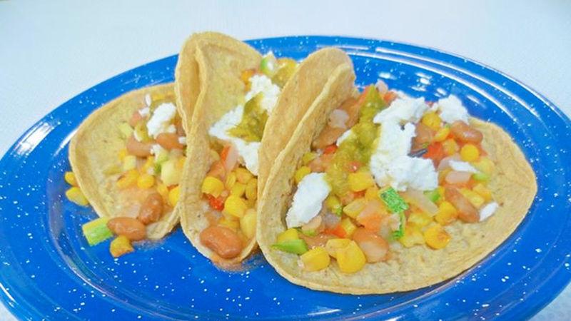 Tacos de calabacitas y maíz