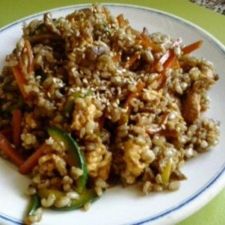 Arroz con verduras y salsa de soja