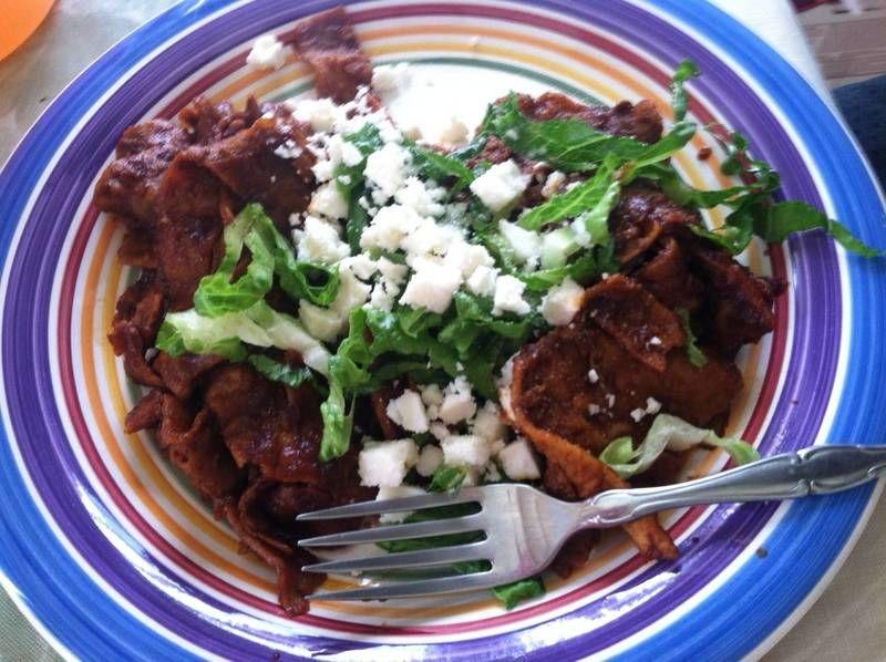 Chilaquiles con chile negro