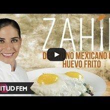 Desayuno mexicano con huevo frito