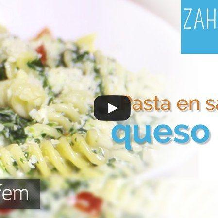 Pasta en salsa de queso azul