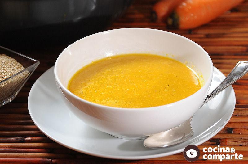Sopa de zanahoria y quinoa