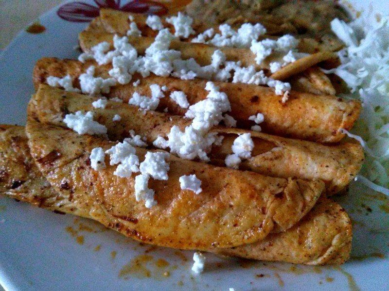 Enchiladas de queso fresco