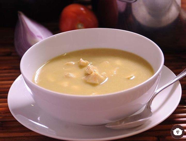 Sopa verde de pollo