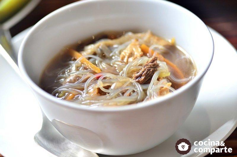 Sopa oriental de setas