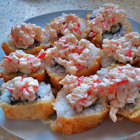 Maki sushi tempura con tampico