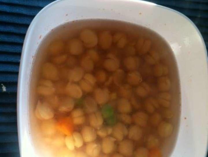Sopa de garbanzos con vegetales