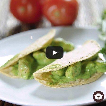Tacos de pollo en salsa cremosa de cilantro