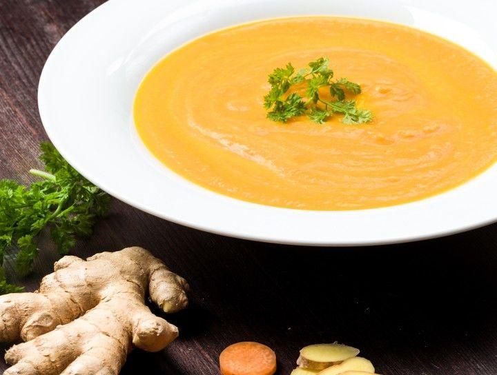 Sopa de zanahoria con jengibre y leche de coco