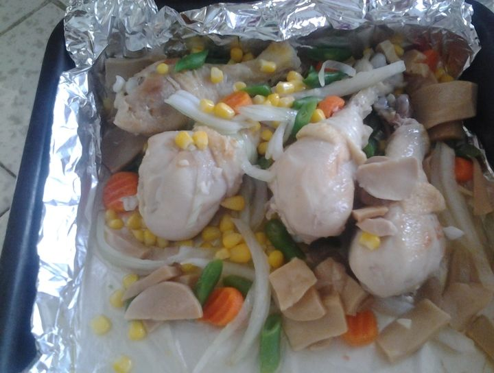 Pollo con champiñones y verduras