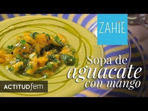 Sopa fría de aguacate con mango