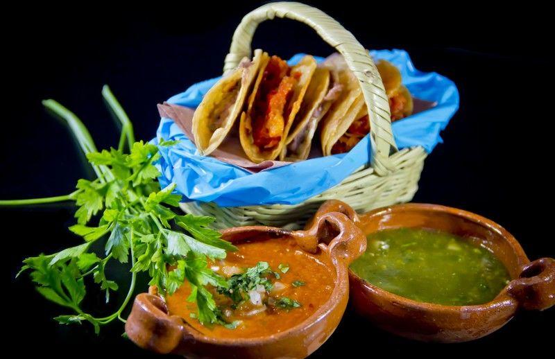 Tacos de canasta sudados