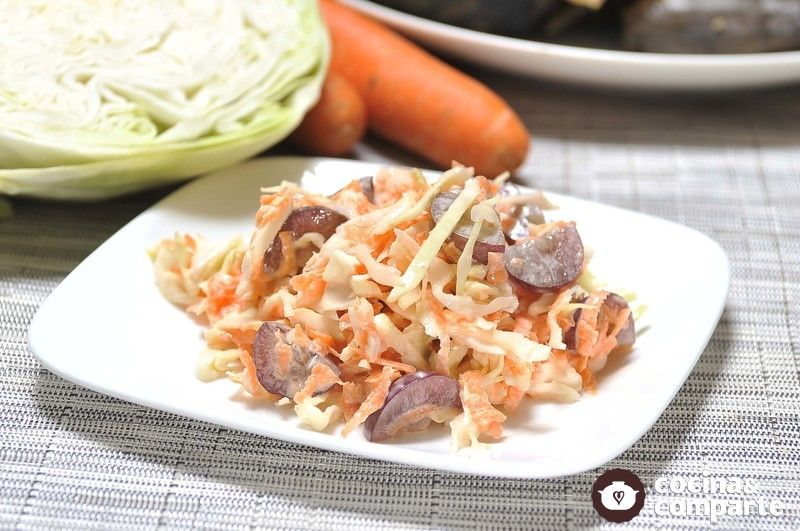 Ensalada de col con zanahoria