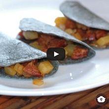 Tacos de papa con chorizo